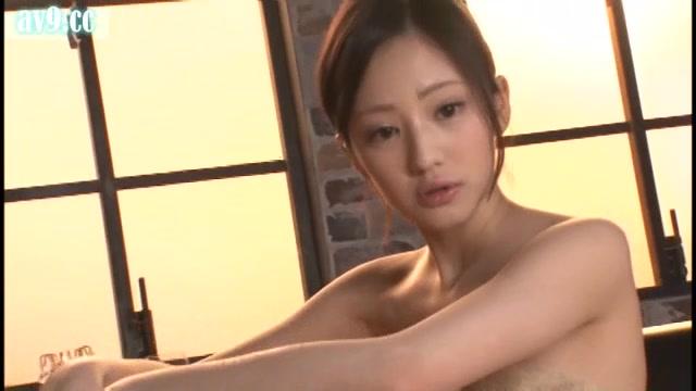 av动态图|ABP-138来自超人气美女桃谷绘里香gif图
